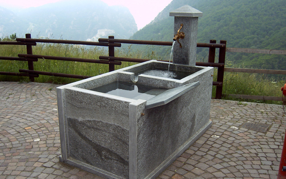 "<a href=""flower-boxes-fountains-and-barbecues"">Flower boxes, Fountains and Barbecues</a>"